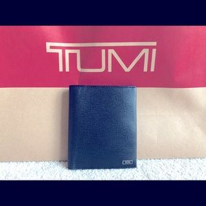 Tumi Monaco Passport Case (Black)